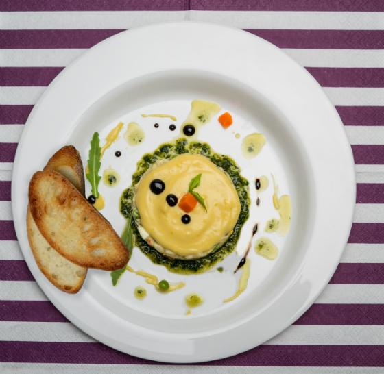 Salata tip boeuf cu piept de curcan