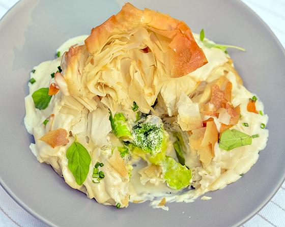 Saculet cu broccoli si sos quattro formaggi