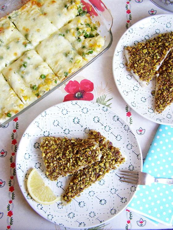 Cod in crusta de fistic cu piure si legume la cuptor