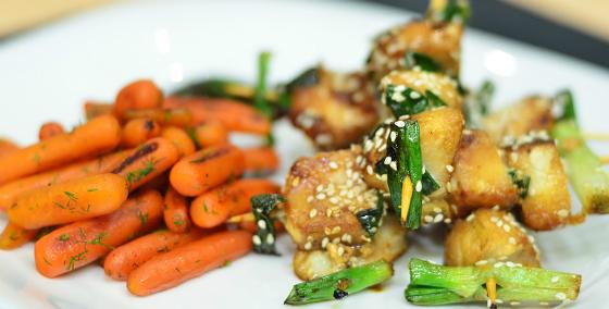 Frigarui asiatice de cod si morcovi glazurati