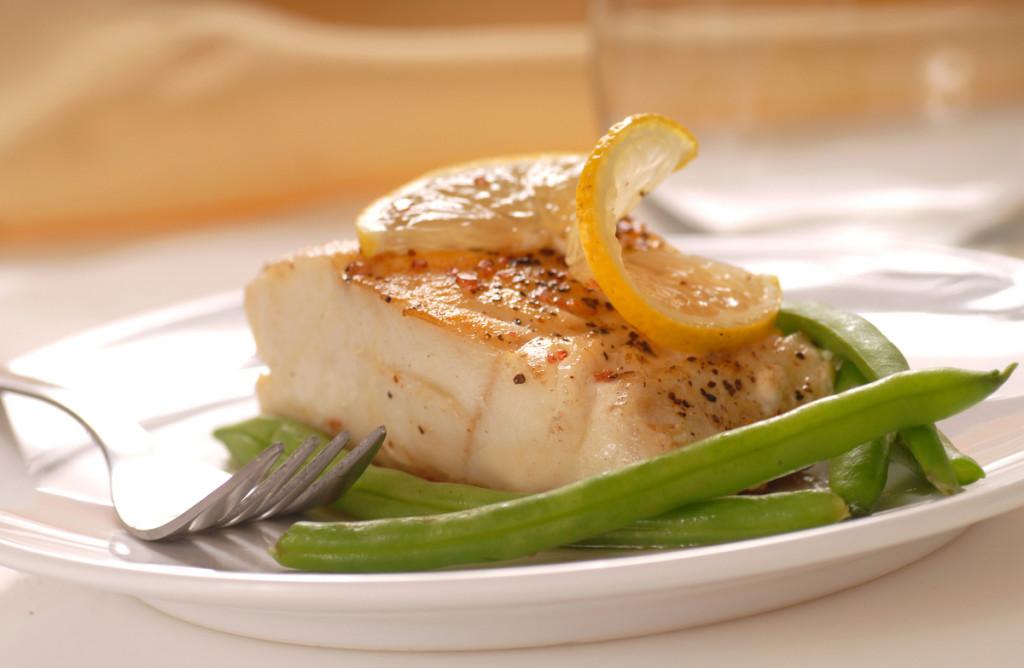 Cod Loins cu chilli pe pat de fasole verde