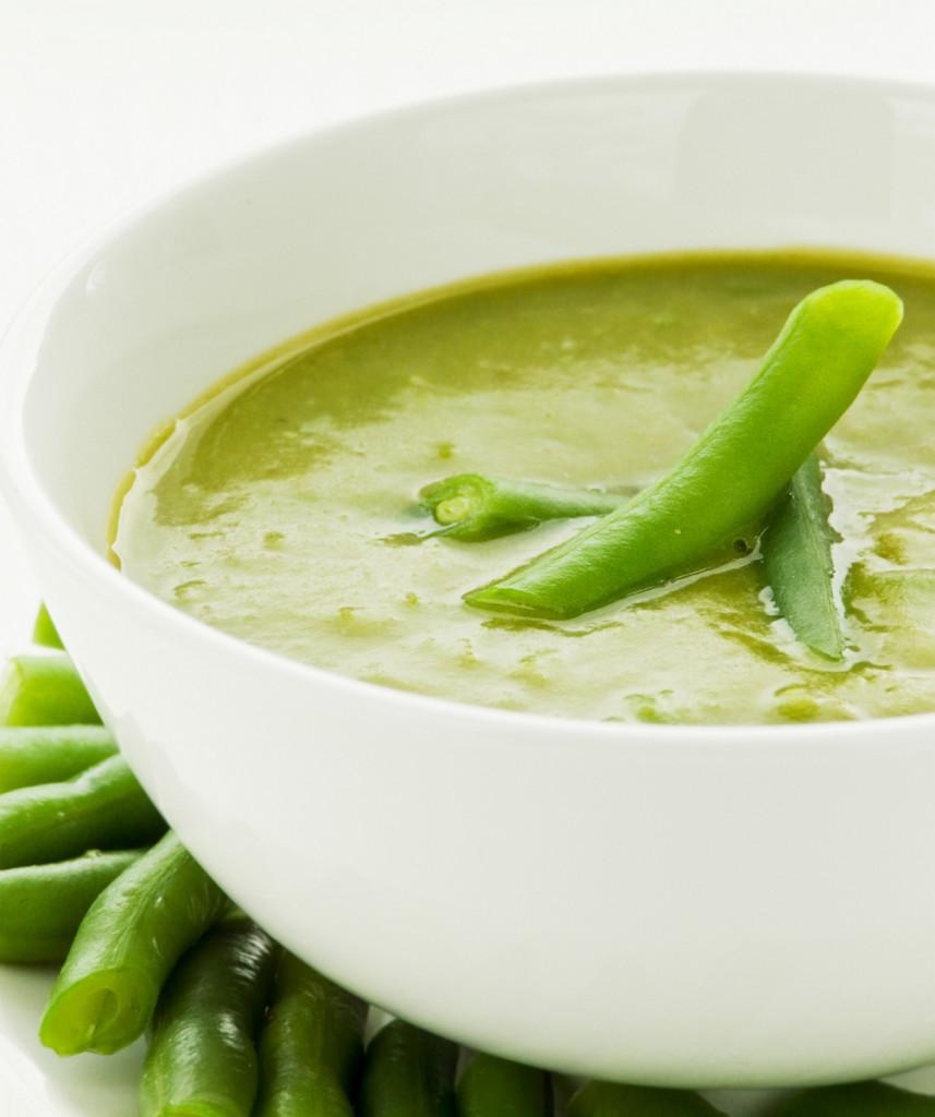 Supa crema de fasole verde cu tarhon si lamaie
