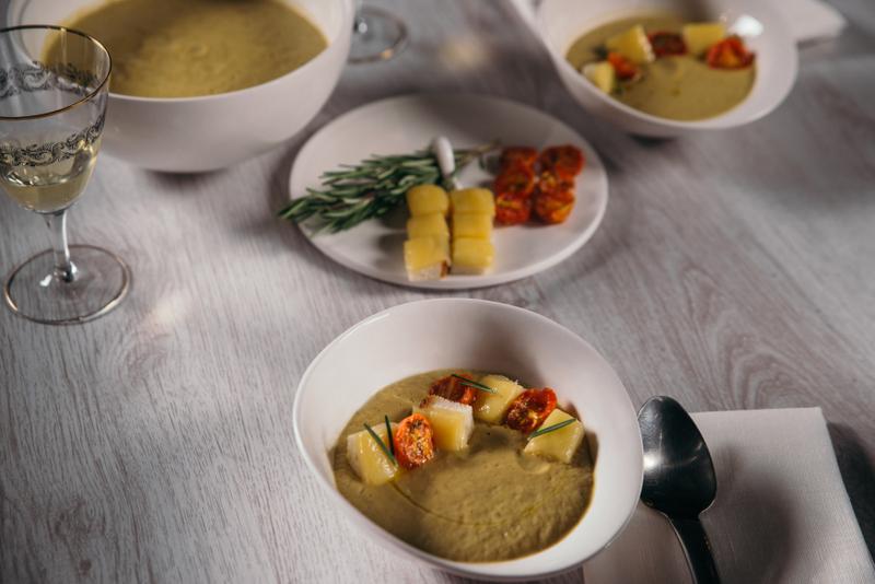 Supa crema de vinete cu rosiile coapte si crutoane cu emmental (9)