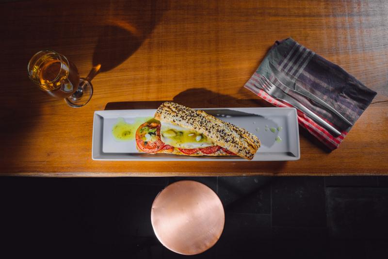 File de pastrav pil-pil si specialitate catalana coapta cu rosii (6)