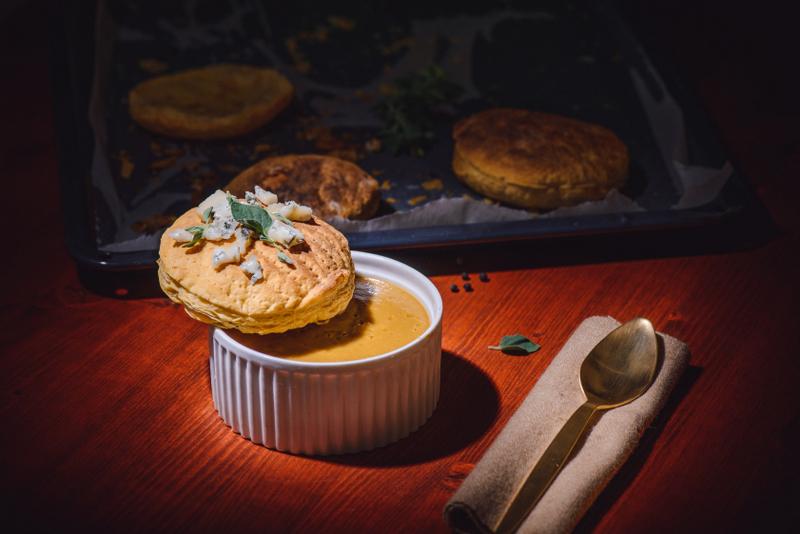 Supa cu cappucino de ciuperci si insula de blue cheese (10)
