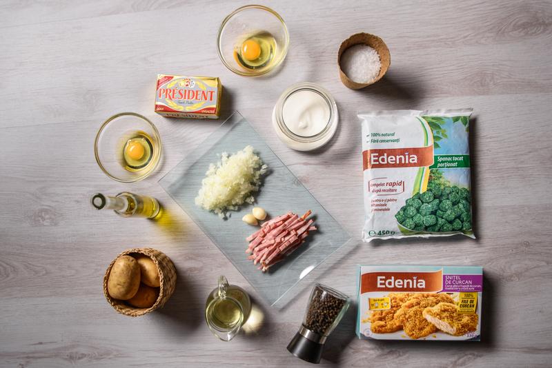 Snitel de curcan cu piure de spanac, ou trufat, cuib de cartofi si bacon (1)